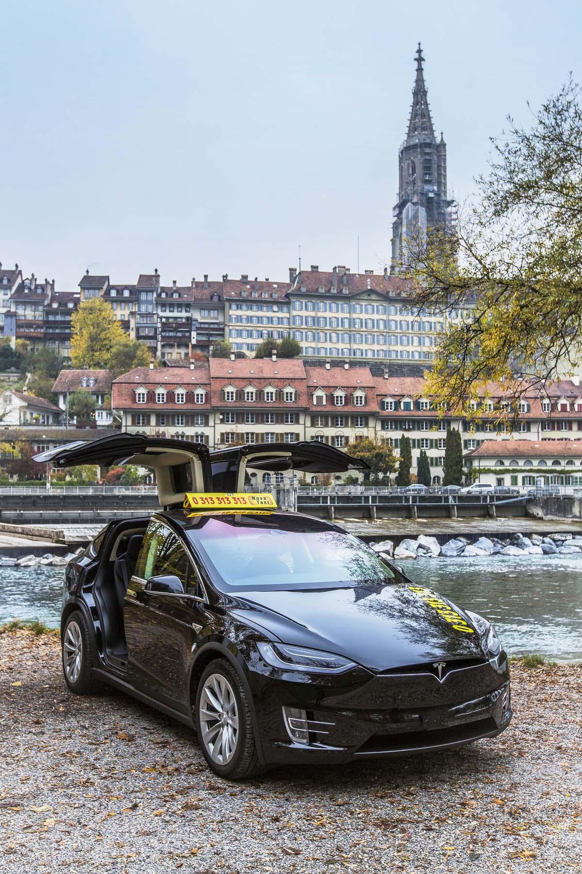 Bern Tesla Taxi